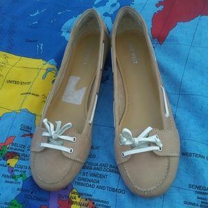 Nine West leather beige flats 9